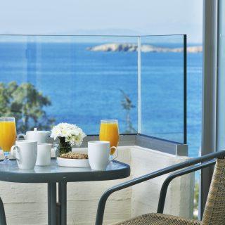 Amarilia Hotel: Tranquility on the Edge of the Sea