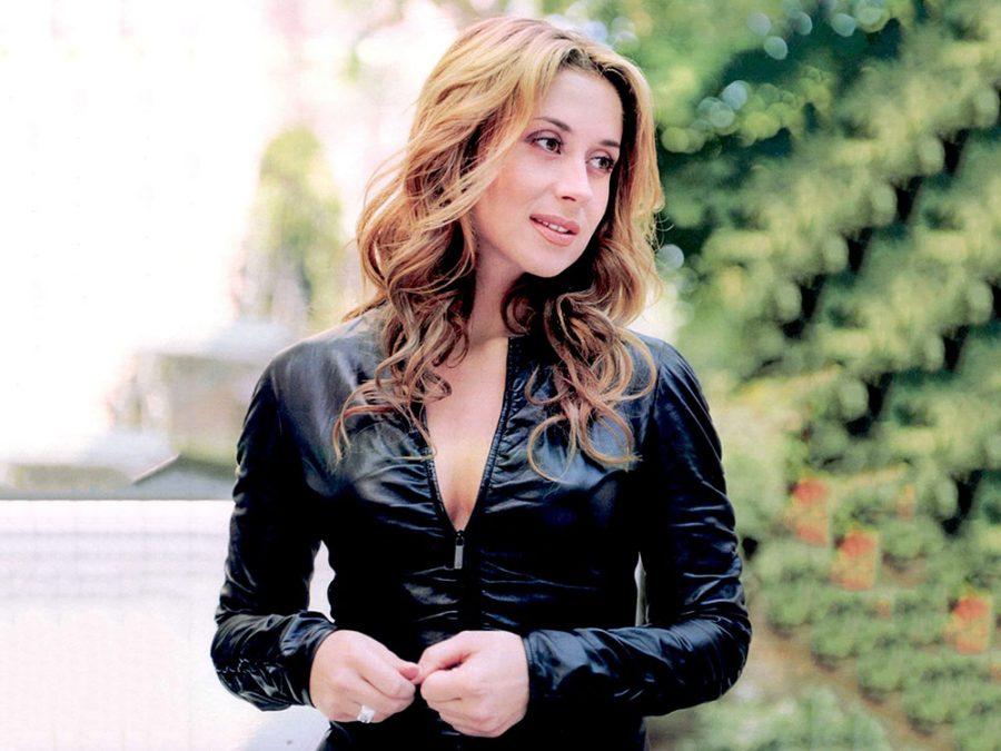 Lara Fabian plays Athens