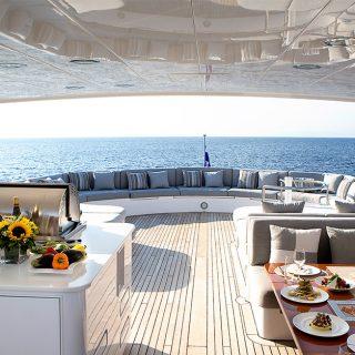 Milos sets Sail