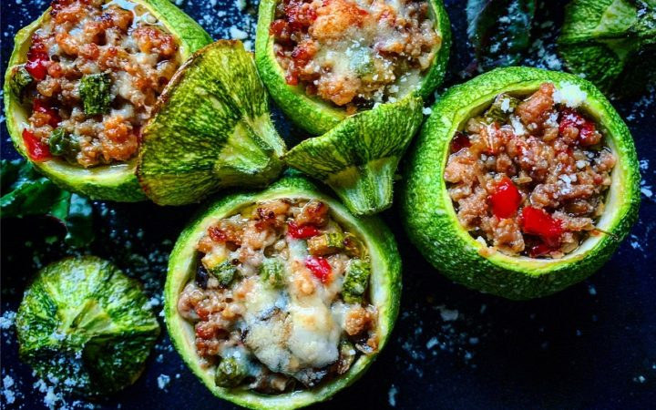 Greek home-cooking: Stuffed Courgettes With Minced Meat