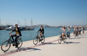 Discovering Athens with free bike rides