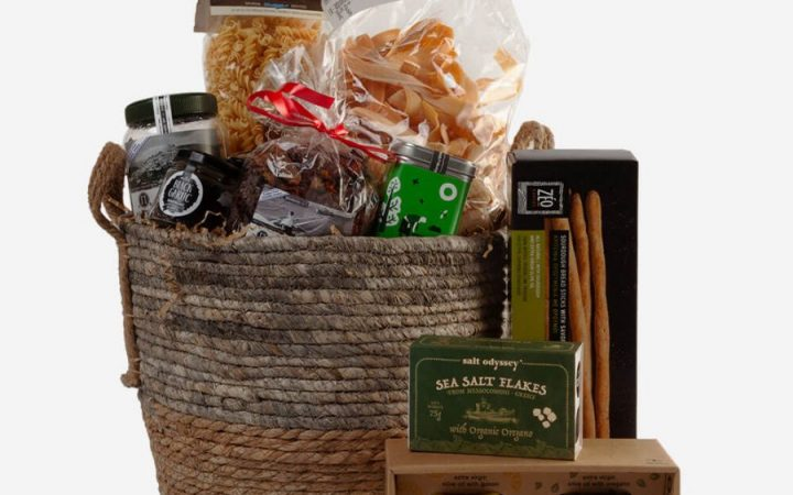 Be an Easter Angel with these magical Gourmet Greek Gift Hampers